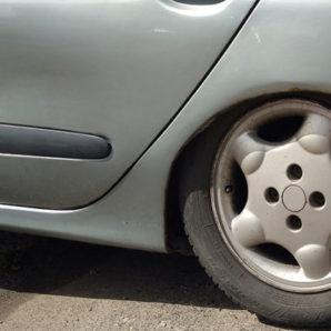 Absenkung der Höhe des Automobils